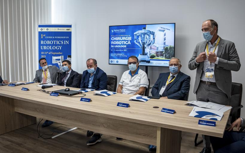 Primul curs si workshop de Robotica in Urologie din Romania: interventii chirurgicale vizionate 3D, in cadrul LIVE SURGERY&Robotic DRY LAB TRAINING